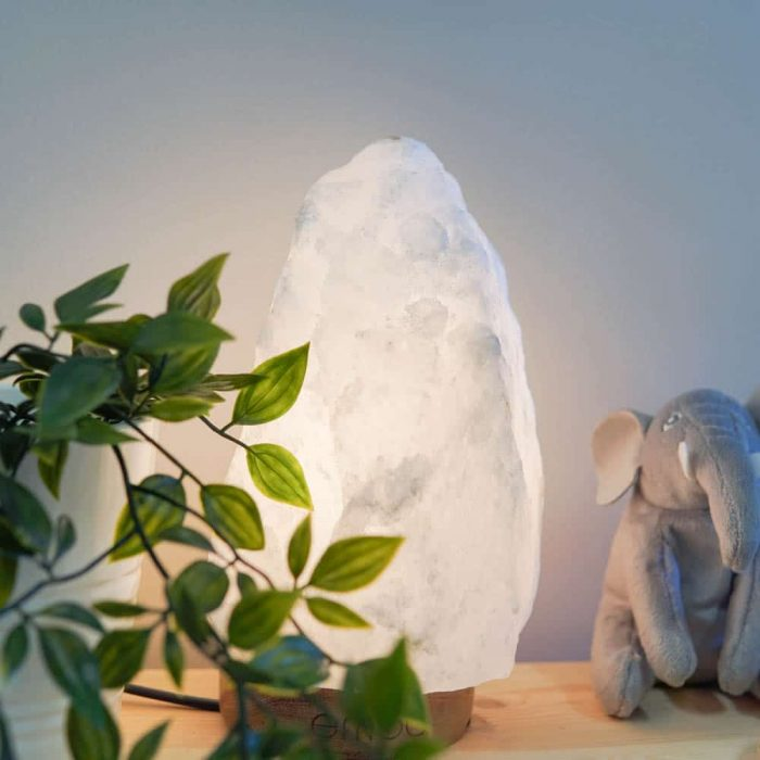 silk-white-himalayan-salt-lamp-3