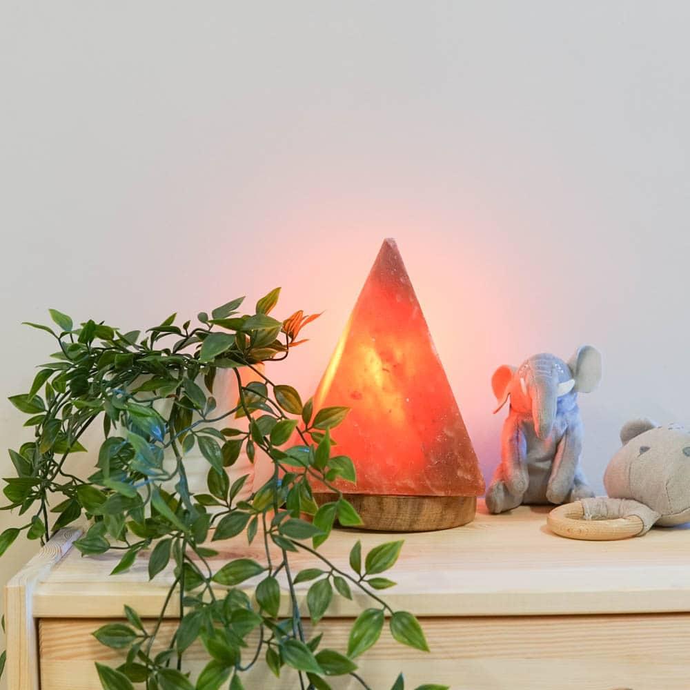 rosewood-pyramid-himalayan-salt-lamp-3