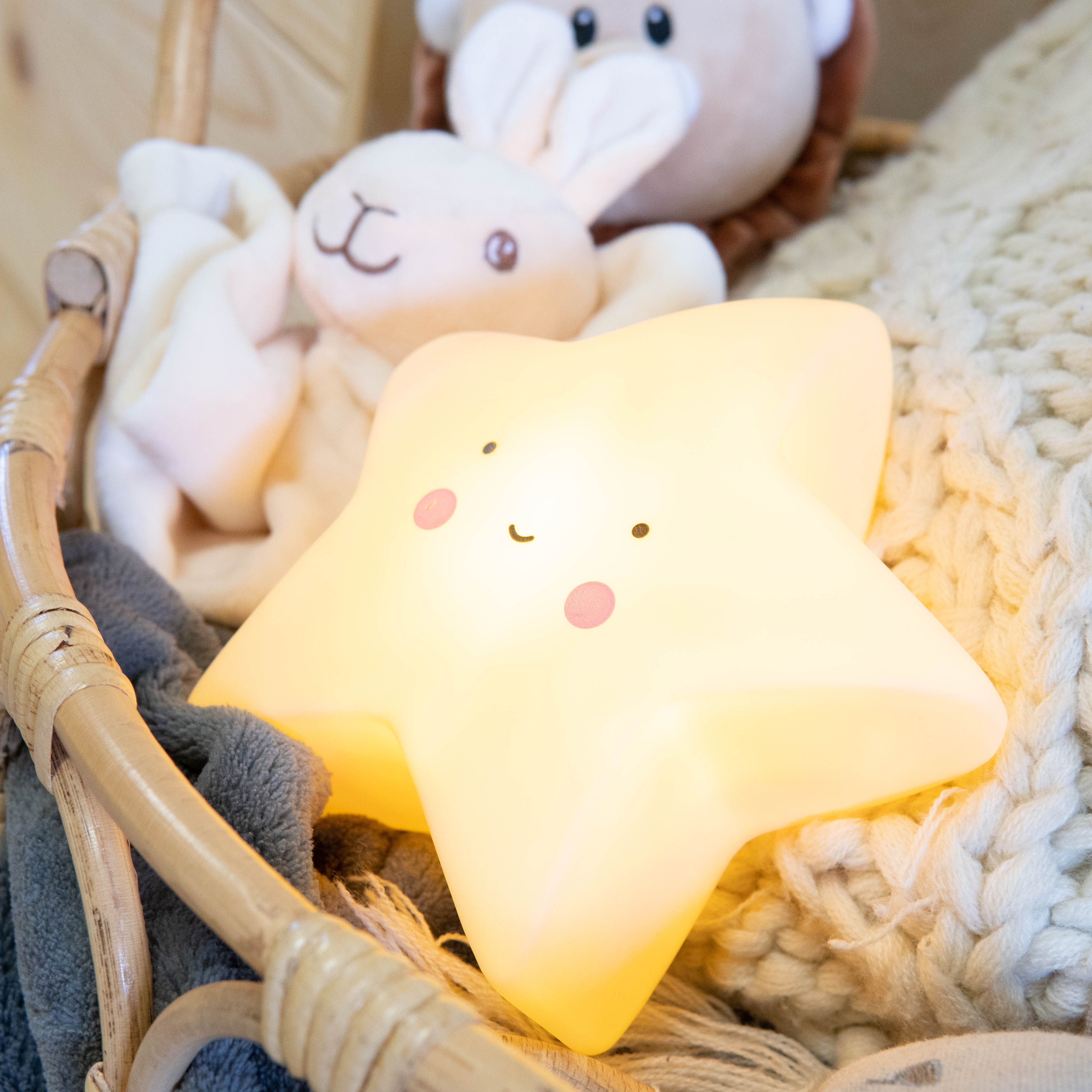 yellow-star-night-light-2