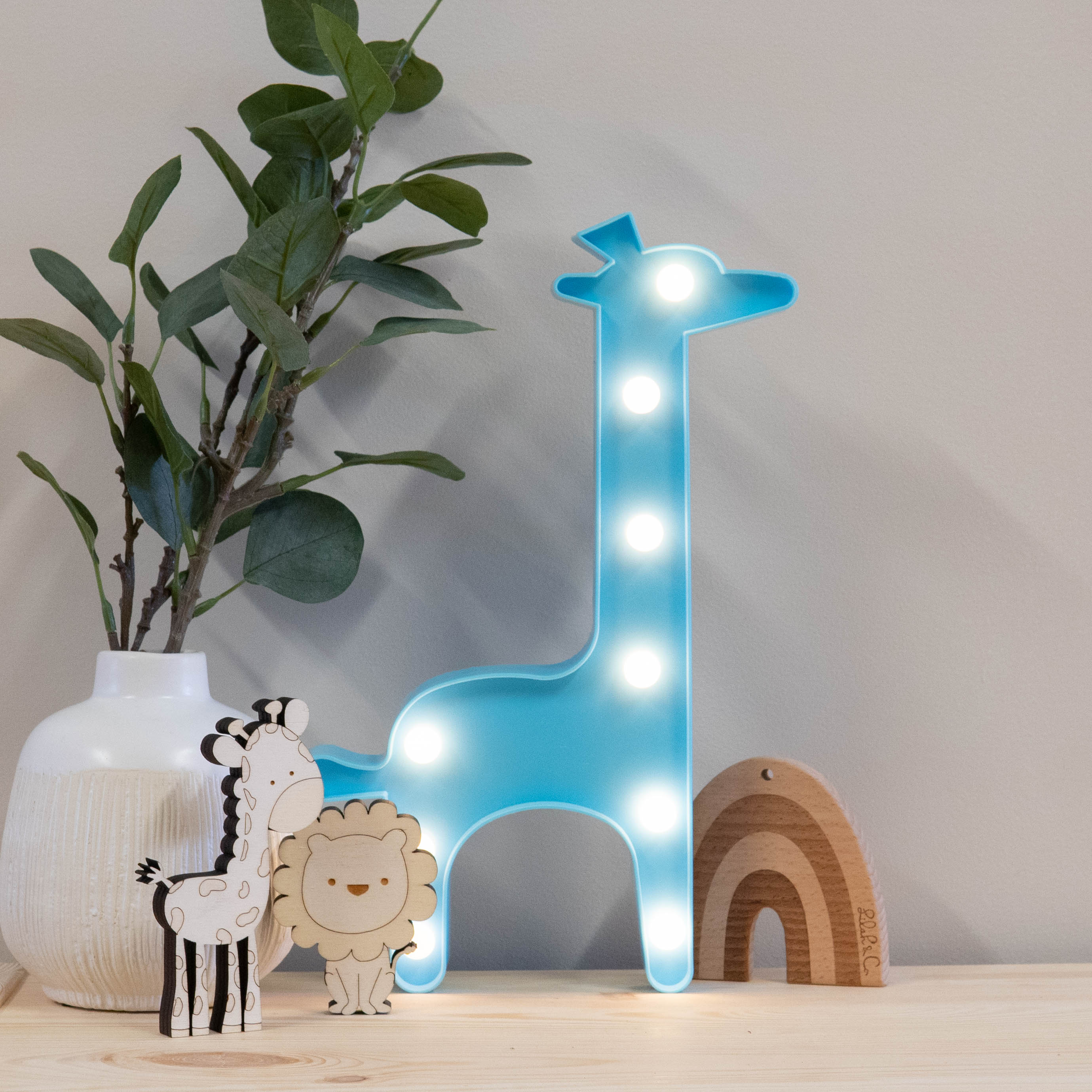 blue-giraffe-marquee-night-light-2