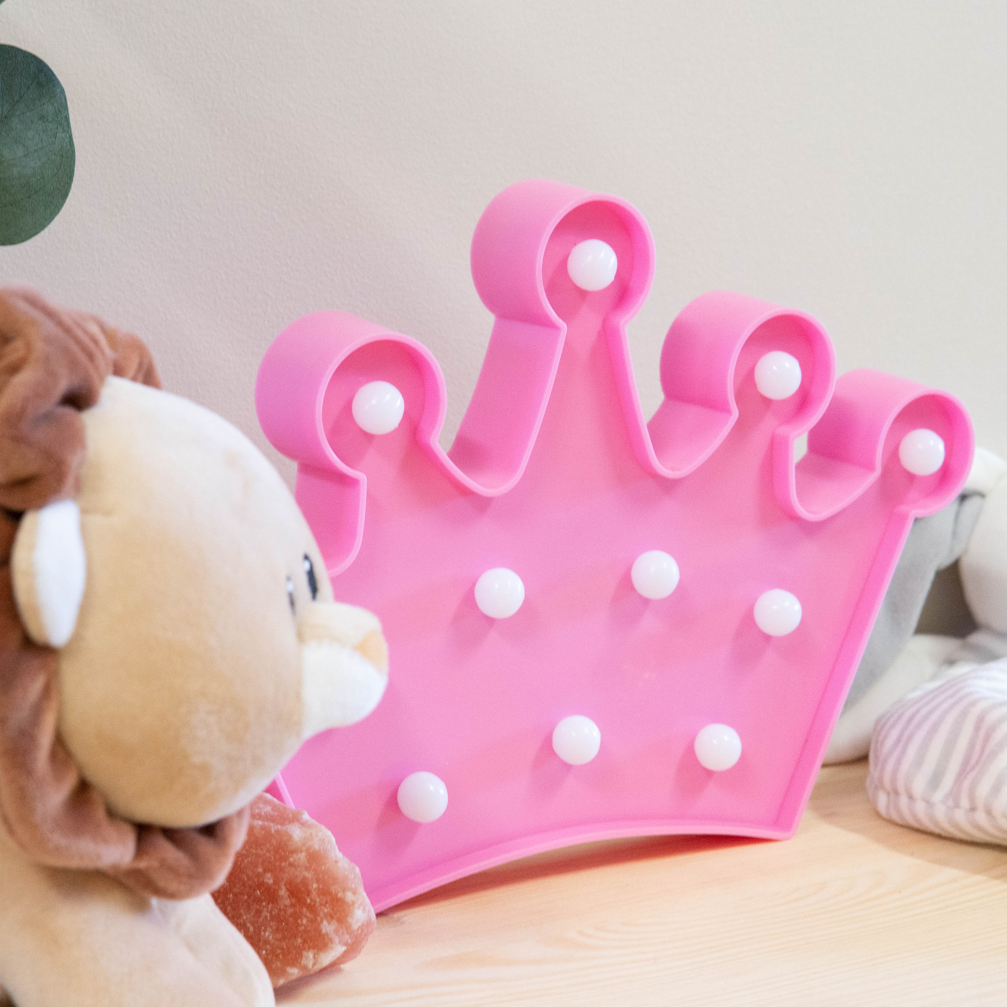 pink-crown-marquee-night-light-3