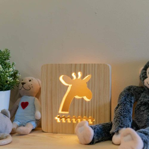 wooden-giraffe-night-light-2