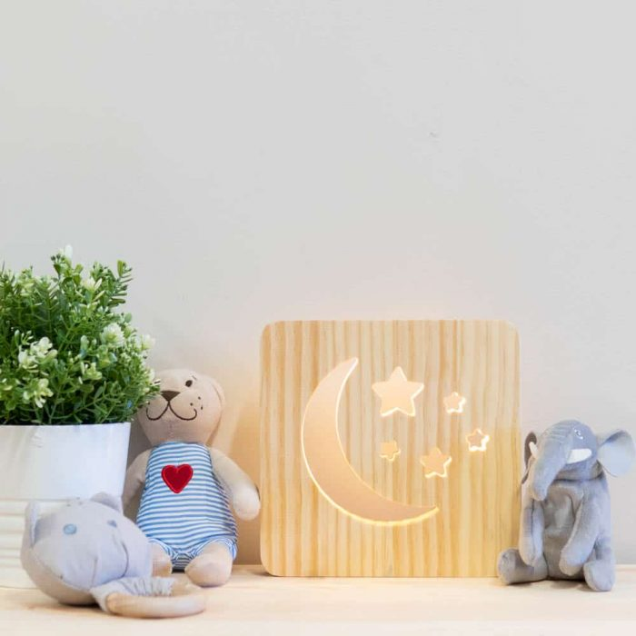 wooden-moon-night-light-3